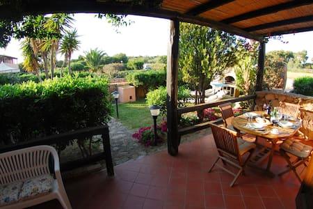 Casa Fortunato 2 Zimmerwohnung im Erdgeschoss - Porto Pollo - Appartement