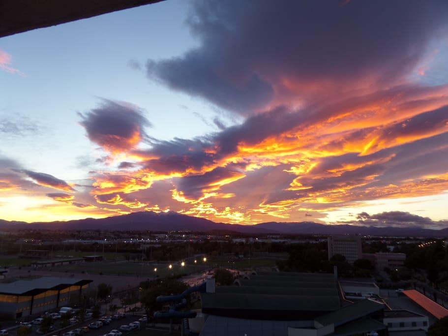 Le coucher de soleil sur le Canigou