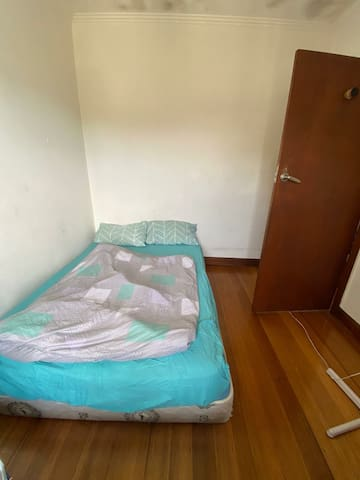 A nice cozy room in sharehouse charnwood st kilda
