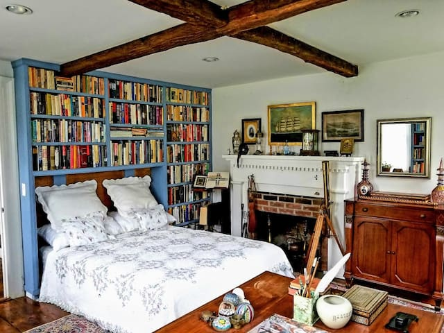 Bedrooms in a Library & Artist's Studio