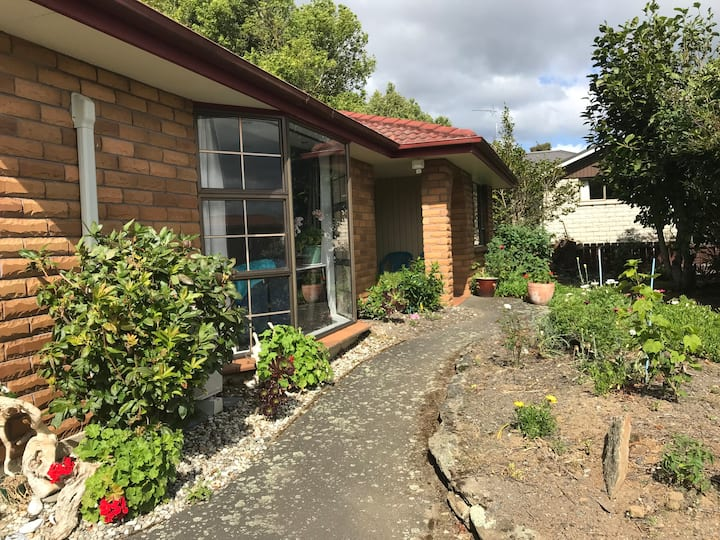 Mosgiel, close to Dunedin and airport