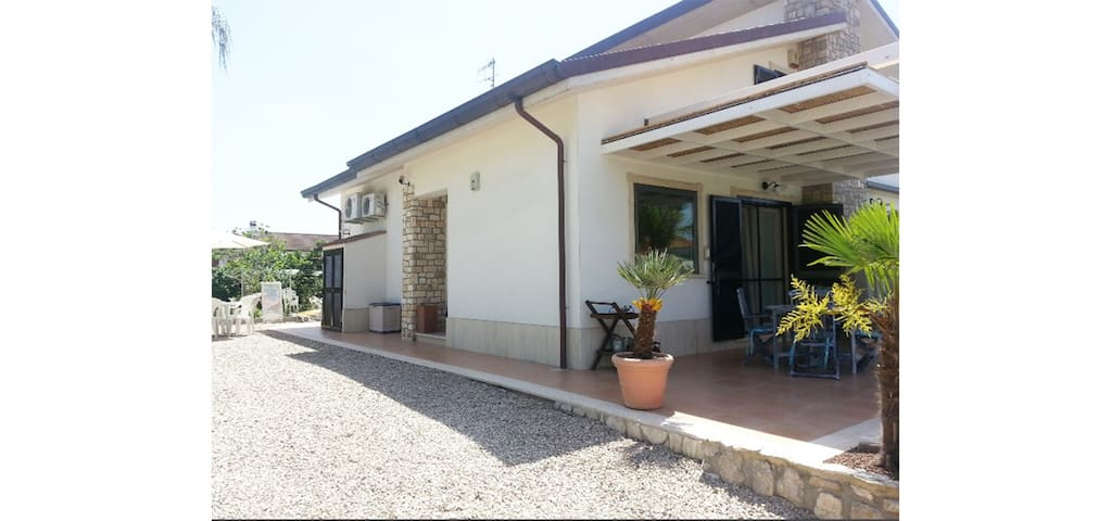 Stefy - villa 5/7 places in residence with swimming pool 1 km from the sea