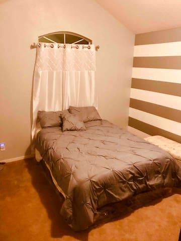 Bedroom #3. TV - Big closet