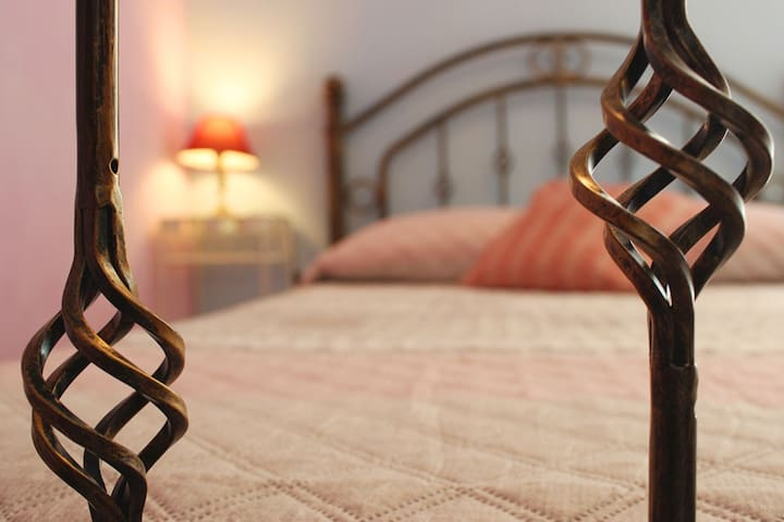 Phiniscollis Bed &Breakfast, Camera Piazza e Mezza - Cooperativa Phiniscollis - Bed & Breakfast