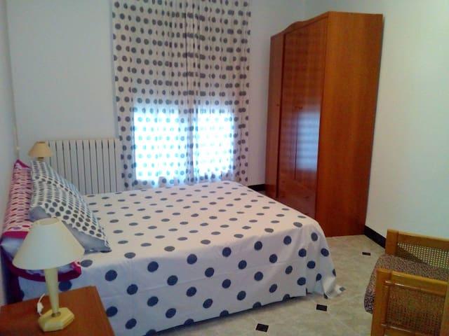 """Apartamento """"La Plaza"""" - Cella - อพาร์ทเมนท์"""