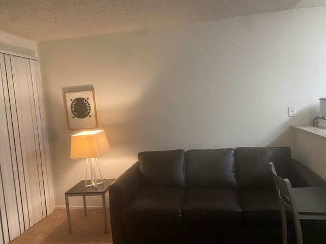 1 Bedroom Pomona Apartment