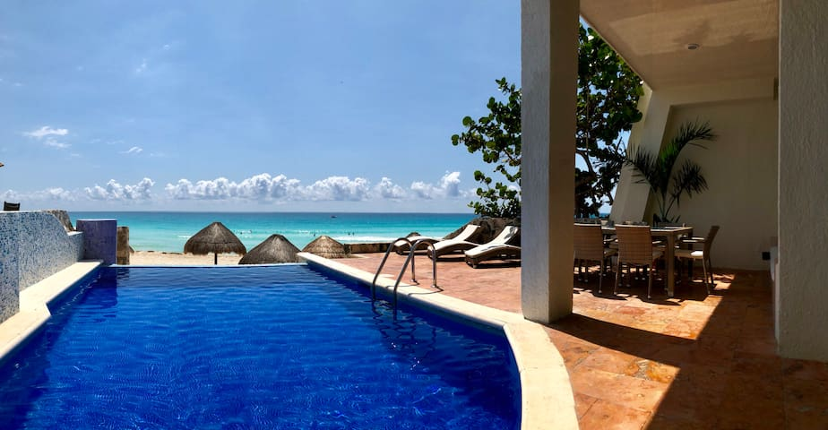 Deluxe Three Bedroom Beach Villa