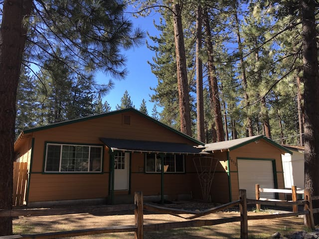 Dog Friendly Home for your Tahoe Adventure