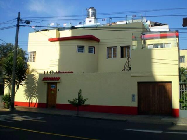 Pirwa B&B Inclan, Lima