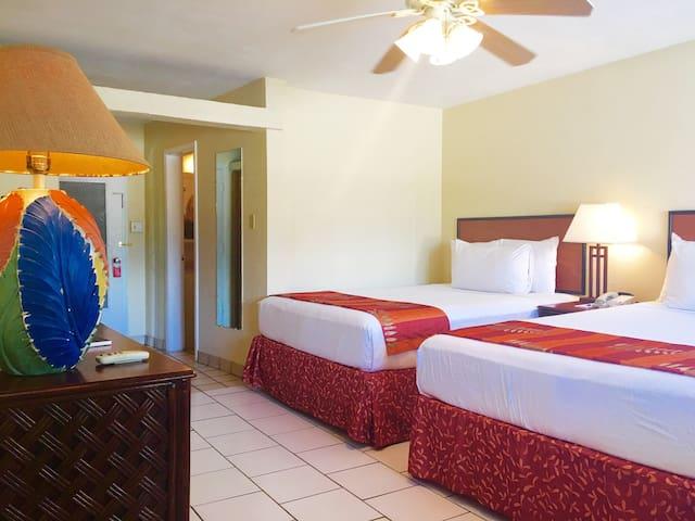 Room Steps Away from Ocean & Iggies' Oasis!