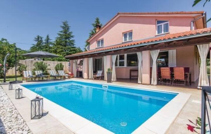 Petra's place a quiet villa near Rovinj