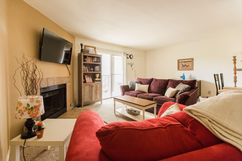 Cozy 2 Bedroom S Lamar Apartment Apartments For Rent In Austin Texas Uni