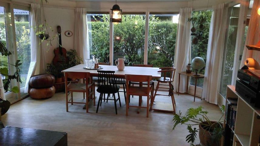 Livingroom - dining table