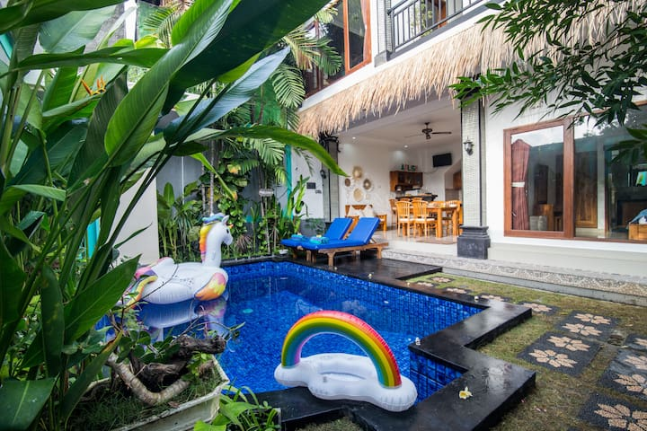 3BR VILLA SEMINYAK_5MINS WALK TO BEACH_FREE PICKUP
