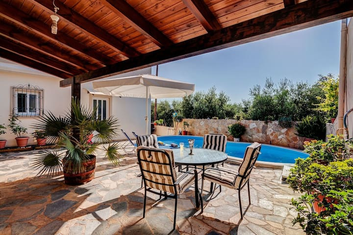 Holiday villa with private pool in Chania - Agia - Villa