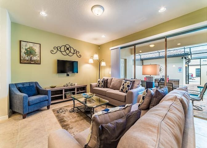 Orlando Dream At Westside 10 min from Disney!