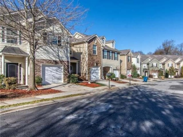 Charming townhome in central location