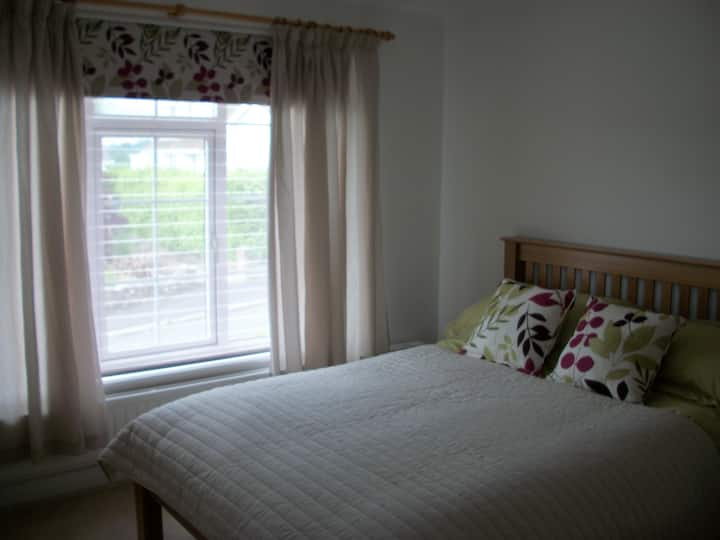 Sunny Self Contained flat in Village near Truro