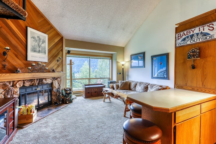 New listing! Ski In/Out Condo for hiking or skiing w/ lift & mountain views!