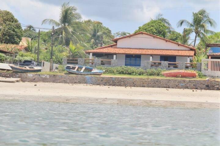 Maison en face de la plage sur l'île d'Itaparica