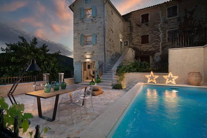 Villa Gradinje, romantic stone villa - Buzet - Villa