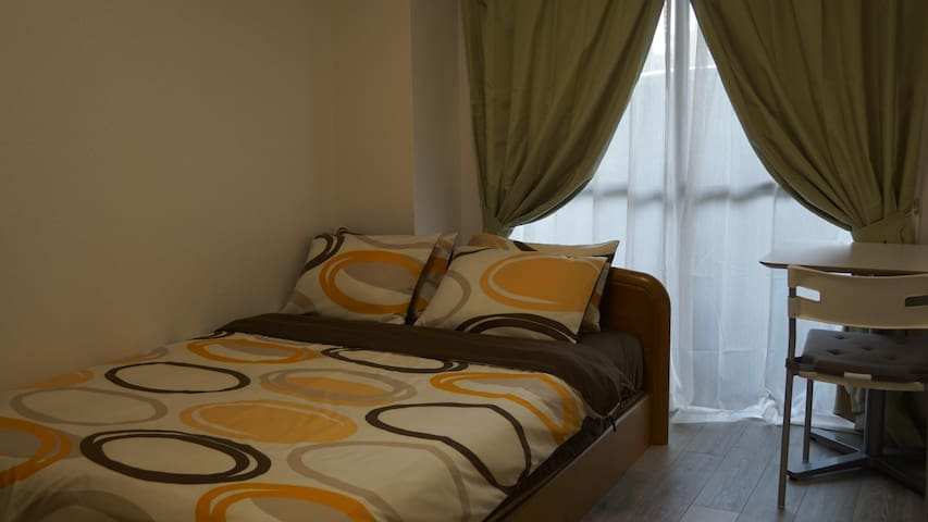2 bedrooms fully furnished apt~2mins walk from stn