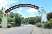 Pórtico Roteiro Turístico Estrada do Imigrante