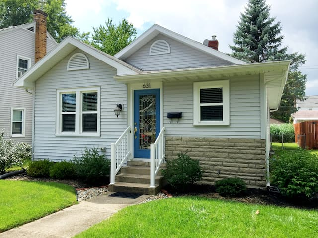 Updated, Clean Home - Just minutes from ND!