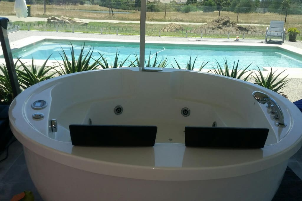 Access to Spa near Pool