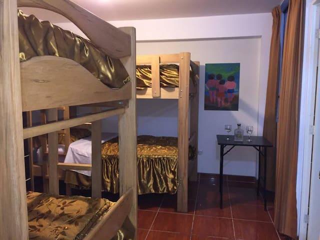 HABITACIÓN CUÁDRUPLE - Lima - Ostello