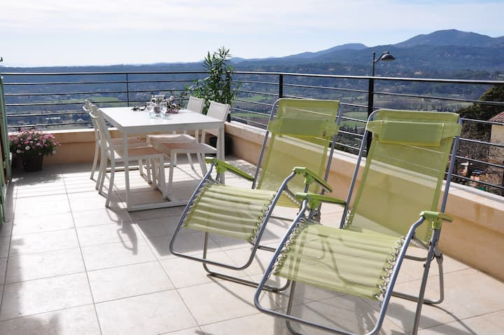 fayence  appartement  lumineux confortable ,
