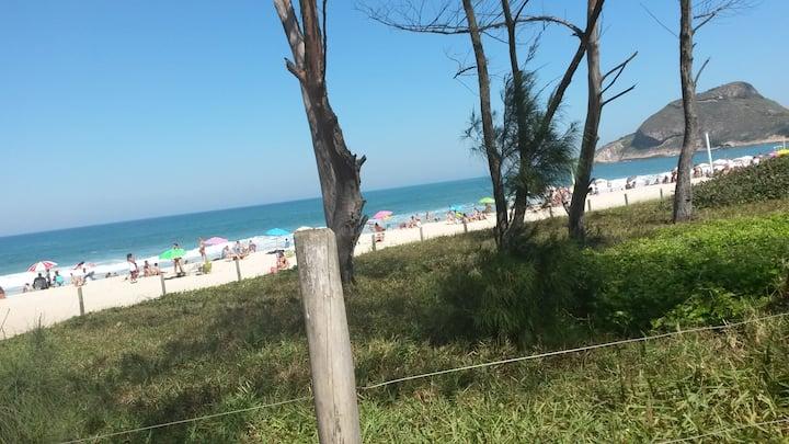Quarto no Rio perto de praia e Rock in Rio.