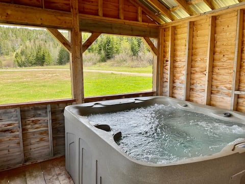 One-Bed Studio | Hot-tub | Gateway to Gros Morne