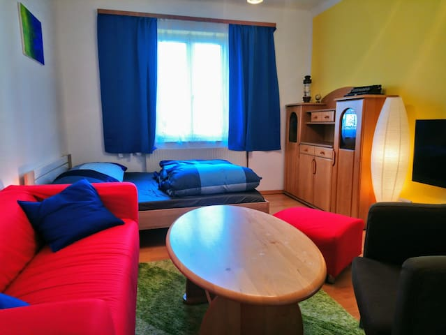 Quiet 2.5 room apartment (50m²) with garden