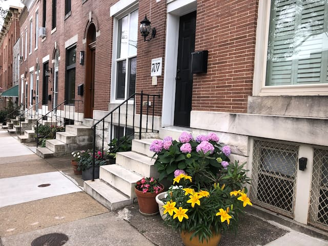 Beautiful room with private bath in Federal Hill
