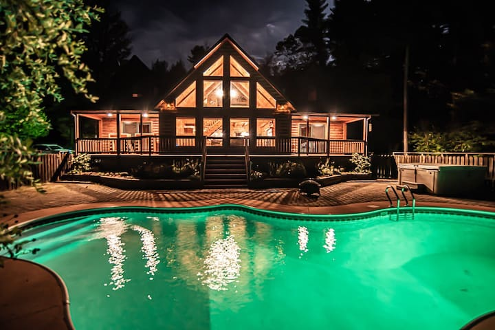 Whitetail Acre Lodge,Pool/HotTub/Sauna,Mins to all