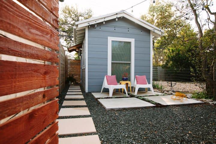 Modern Casita in Beautiful East Side Backyard
