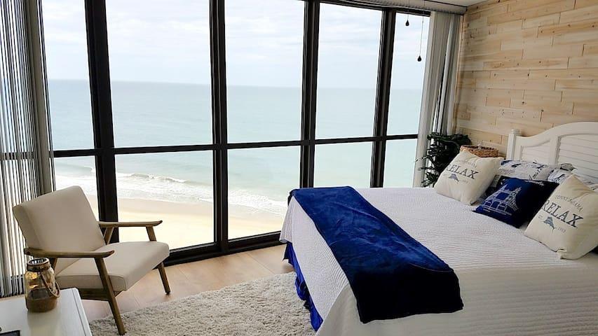 Oceanfront, Renovated, Zen Getaway with Amenities!