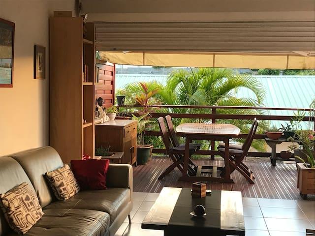 Grand appartement avec jardin à 100 m de la plage