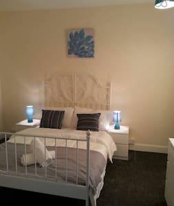 Lovely Apartment in Seaside town - Gorleston-on-Sea - House - 2