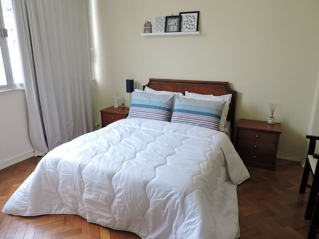Excellent room just steps from the beach - Rio de Janeiro - Apartemen