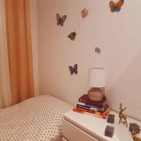 Comfy room near Sagrada Familia