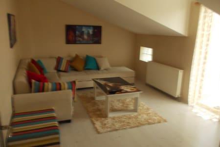 İZMİT KOCAELİ MERKEZDE 5+1 GÜNLÜK KİRALIK DAİRE - İzmit - 公寓