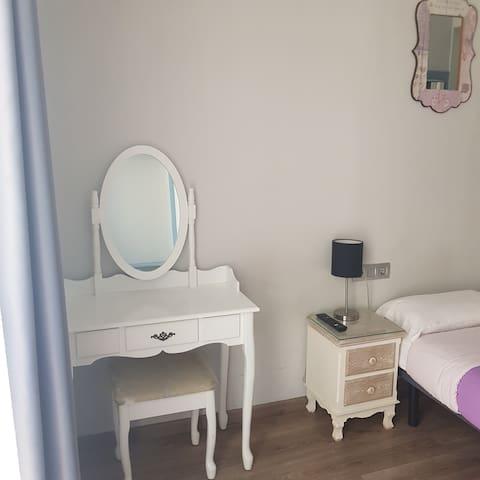 Mesa tocador de habitación