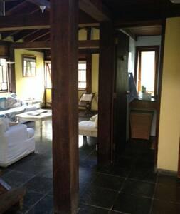 Casa ampla em condomínio fechado - São Sebastião  - Casa