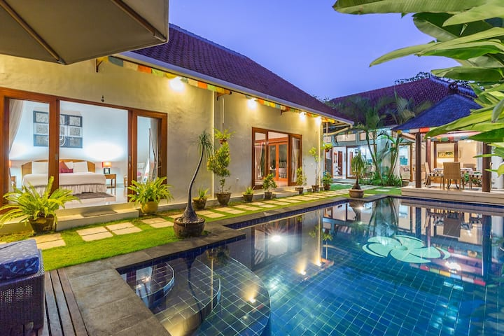 Spacious Pool Villa ☀ on the quiet side of Sanur