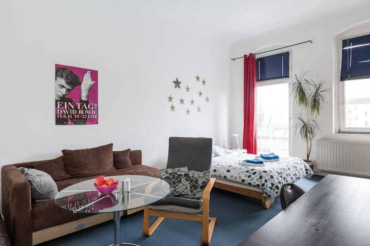Big and bright room in Berlin! - Berlin