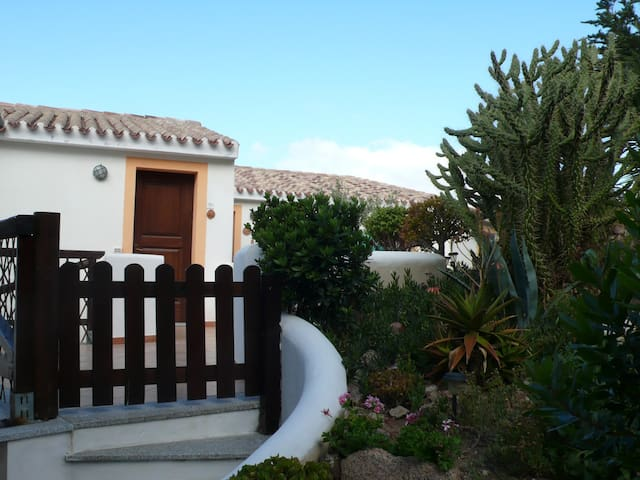 Sardegna, Badesi casa con piscina - Badesi - Flat