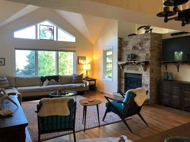 3BD Luxury Mountain Retreat in Edwards