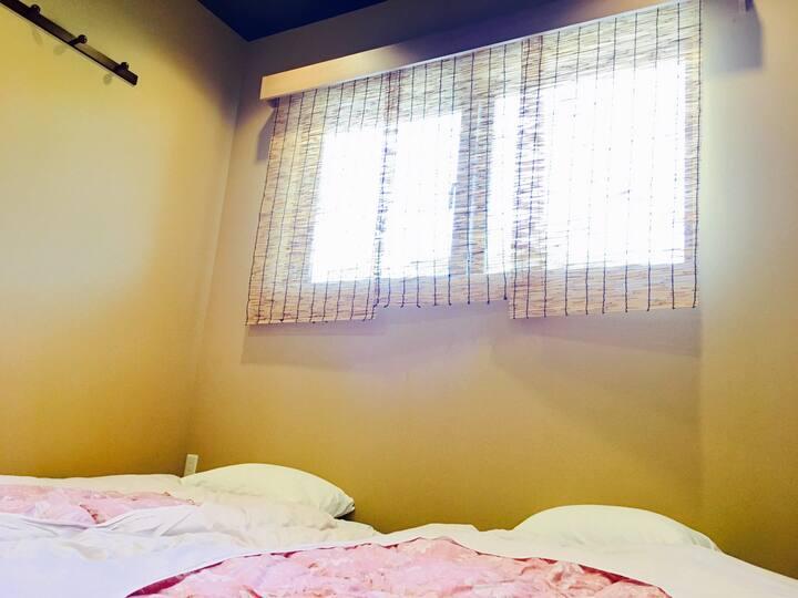 上賀茂神社徒歩3分!!guesthouse「丸弥 賀茂川 202号室」